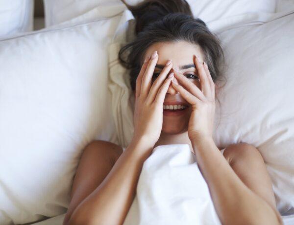 4 rendhagyó tipp, amivel azonnal felébresztheted magad
