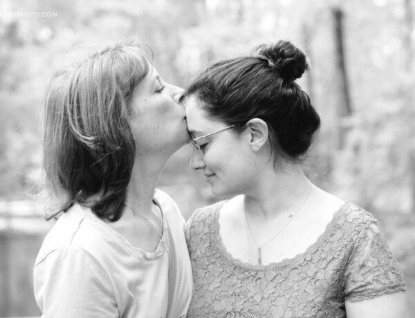 4 testi és lelki tünet, amit egy rossz anya-lánya kapcsolat okozhat