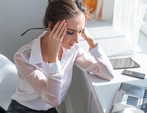 5 észrevétlen stresszoldó technika: ezt tedd, ha felbosszant a főnököd!