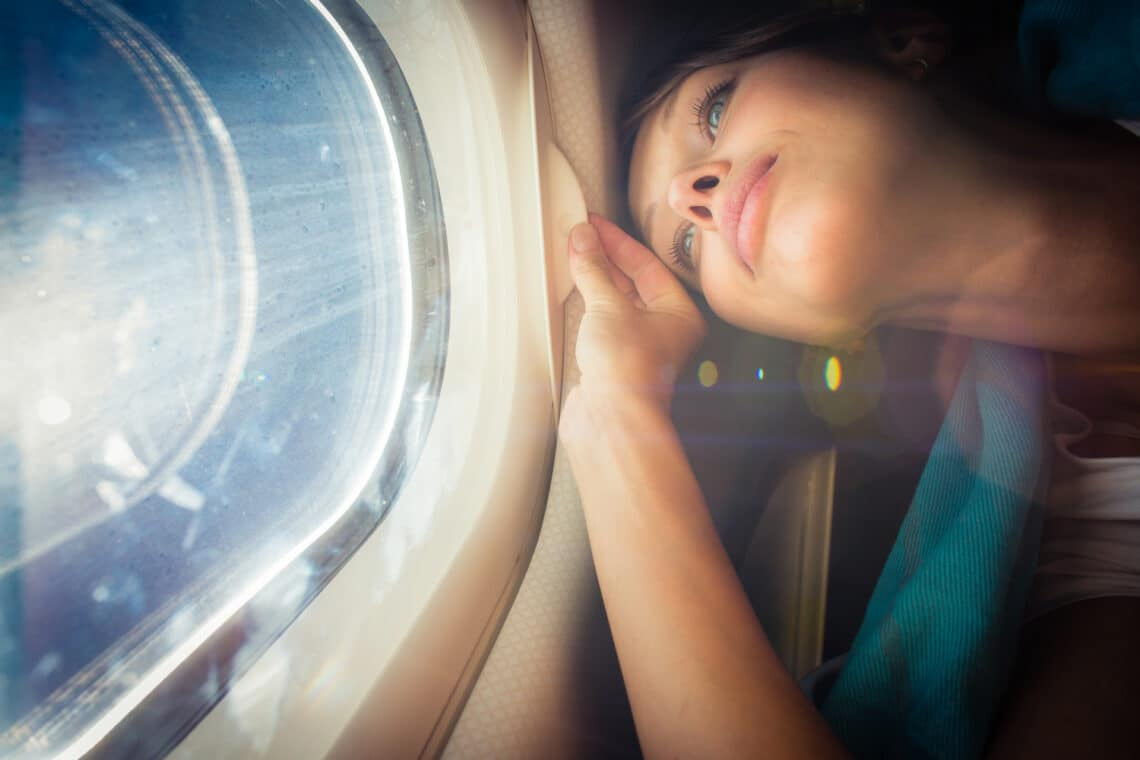 5 dolog, amit a saját érdekedben semmiképp se tegyél meg egy repülőgépen