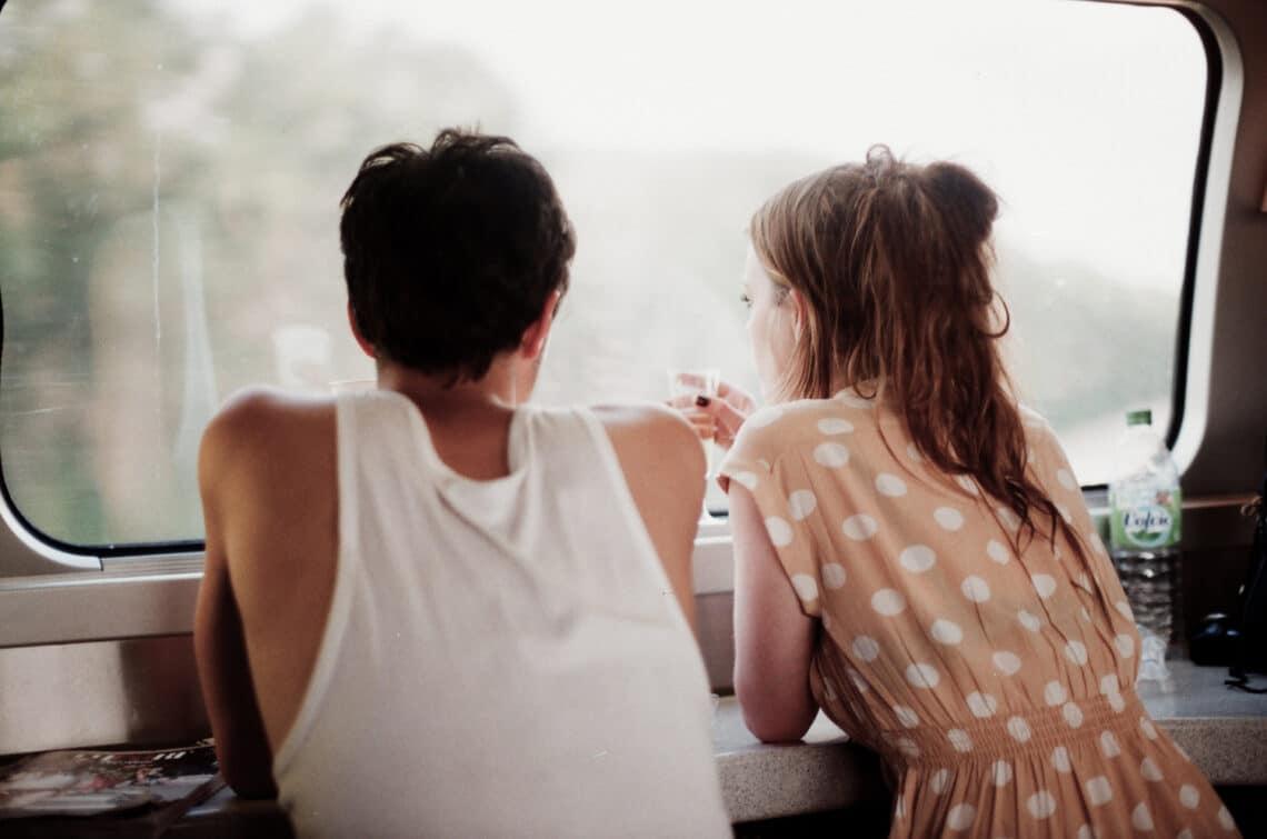 5 jel, hogy eltávolodtatok egymástól – lépj időben, mert szakítás lesz a vége!
