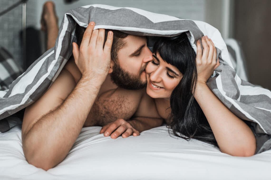 5 kínos dolog, ami veled is megtörténhet szeretkezés közben, de nem kell miatta szégyenkezned