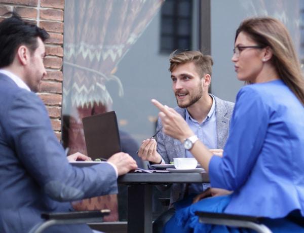 5 kommunikációs stílus, amit el kell kerülnöd a munkahelyeden