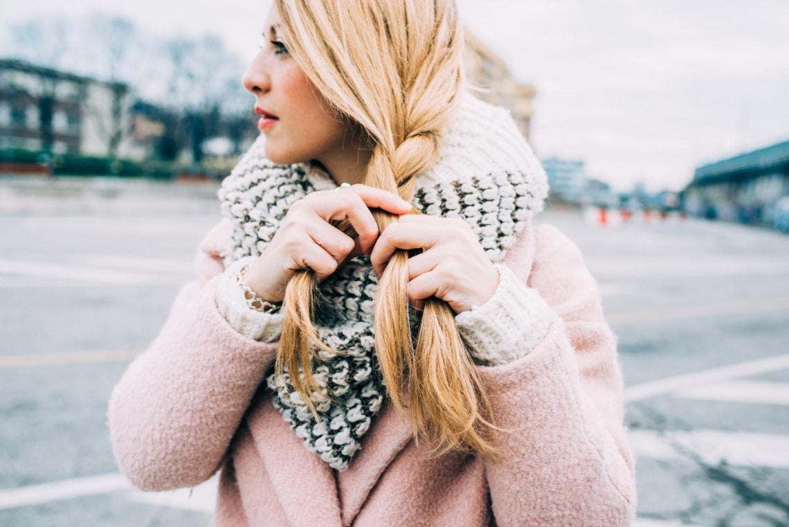 5 sikkes sapkabarát frizura a téli hónapokra