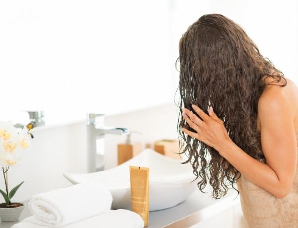 """5 szuper-hatásos házi hajpakolás a száraz """"téli hajadra"""""""