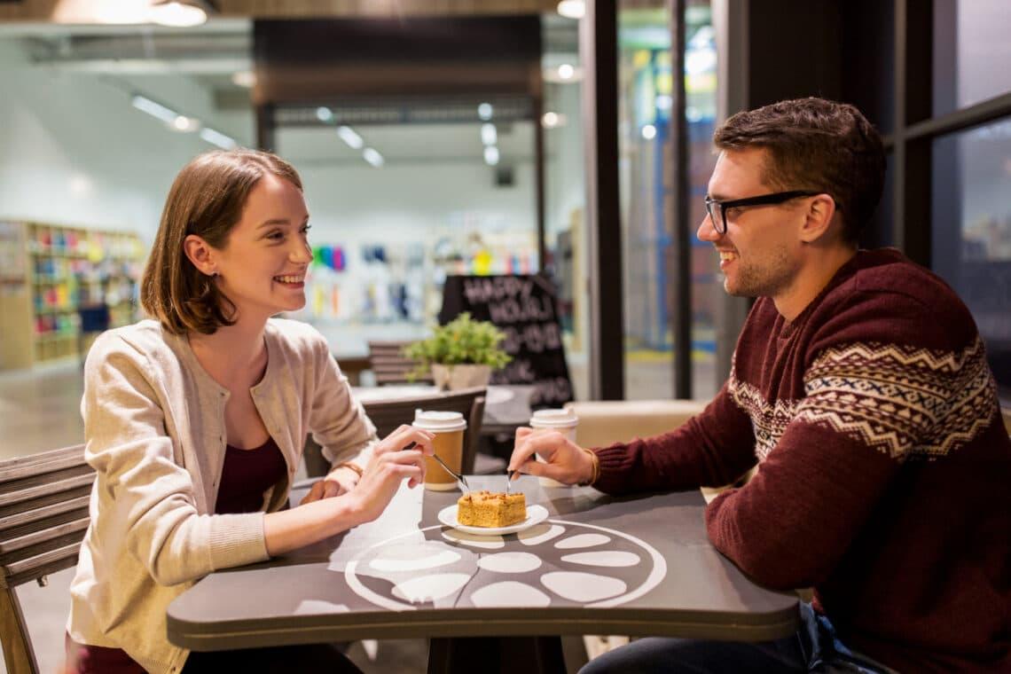 5 tipp, hogy leküzdd a gátlásaidat, ha idegenekkel beszélsz