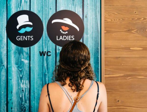 5 trükk, amit muszáj tudnod, ha használsz nyilvános wc-ket