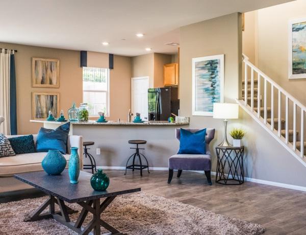 5+1 titok lakberendezőktől a bútorok elrendezéséről – Óriási változást idézhetsz elő velük!