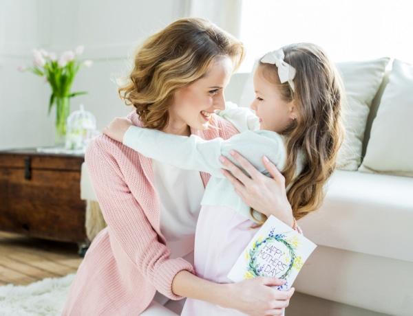 7 csodaszép nyomtatható vers anyák napjára – kisgyerekeknek