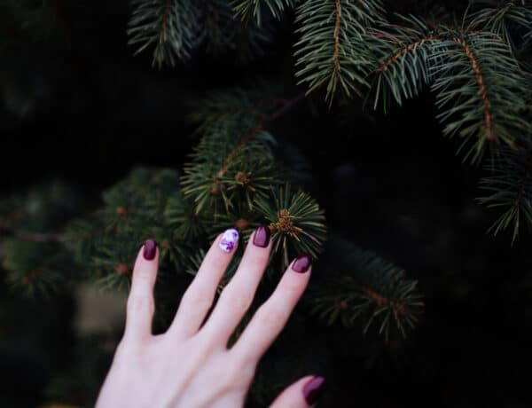 8 karácsonyi hangulatú köröm inspiráció