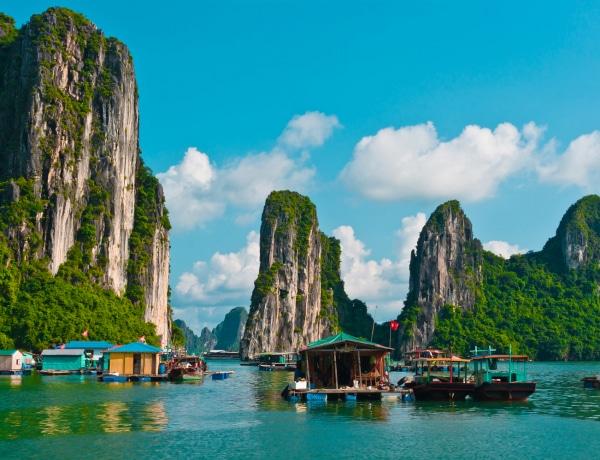 Fotókon 20 varázslatos hely: vérvörös vizek, tarka kőtengerek