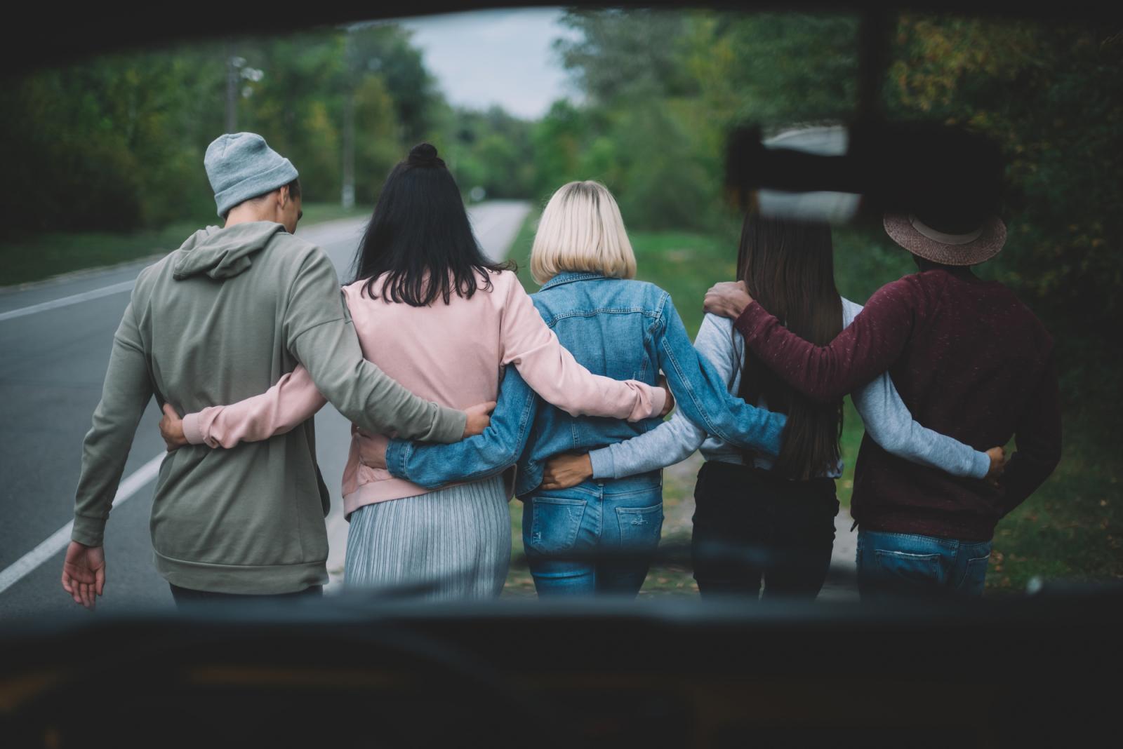 A barátok a pozitív énünket türközik? Szakértővel a barátság fontosságáról
