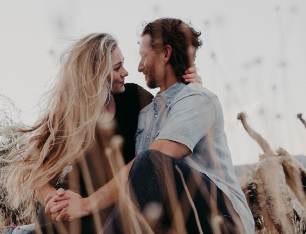 A csillagjegye szerint így mondja el neked a párod, hogy szeret téged