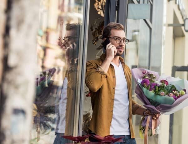 A hősszerelmestől a siető üzletemberig – 5 bosszantó férfitípus egy virágkötő szemével