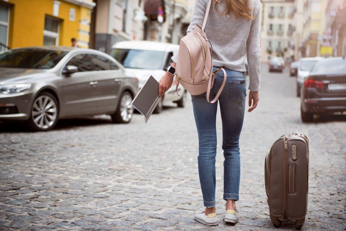 A kérdés, ami a legtöbb fiatal fejében megfordult már: Dolgozzak külföldön?