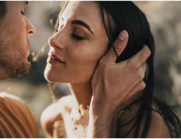 A következő tulajdonságok indítják be a szexuális vonzódást úgy, hogy észre sem veszed