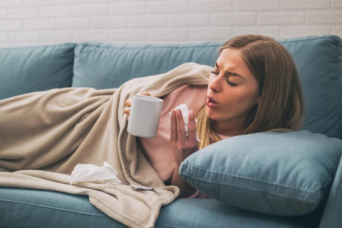 Ez a koronavírus legelső tünete: ezt tedd, ha nálad is elkezdődik