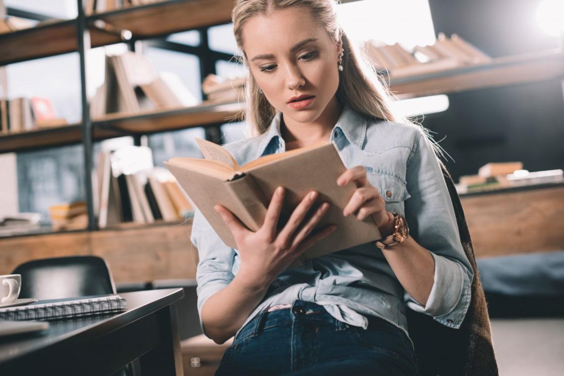 A legijesztőbb könyvek, amiket valaha írtak: olvasni is alig mered