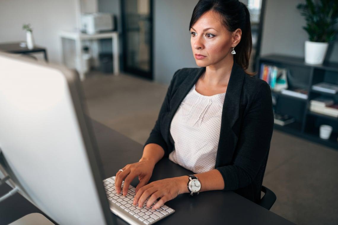 A nők több, mint fele még életében nem mert fizetésemelést kérni