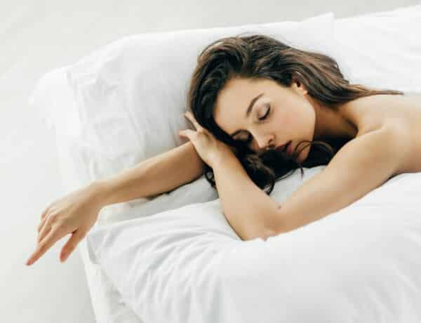 A ruha nélküli alvás igenis egészséges – 4 nyomós érvünk is van mellette