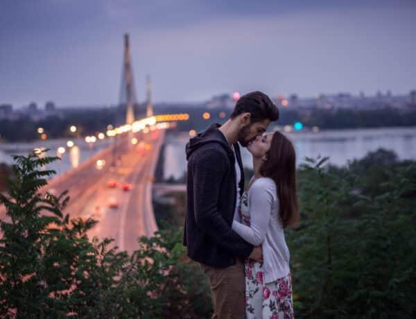 A vak szerelem jellemzői – amikor a szenvedély dominál a kapcsolatban