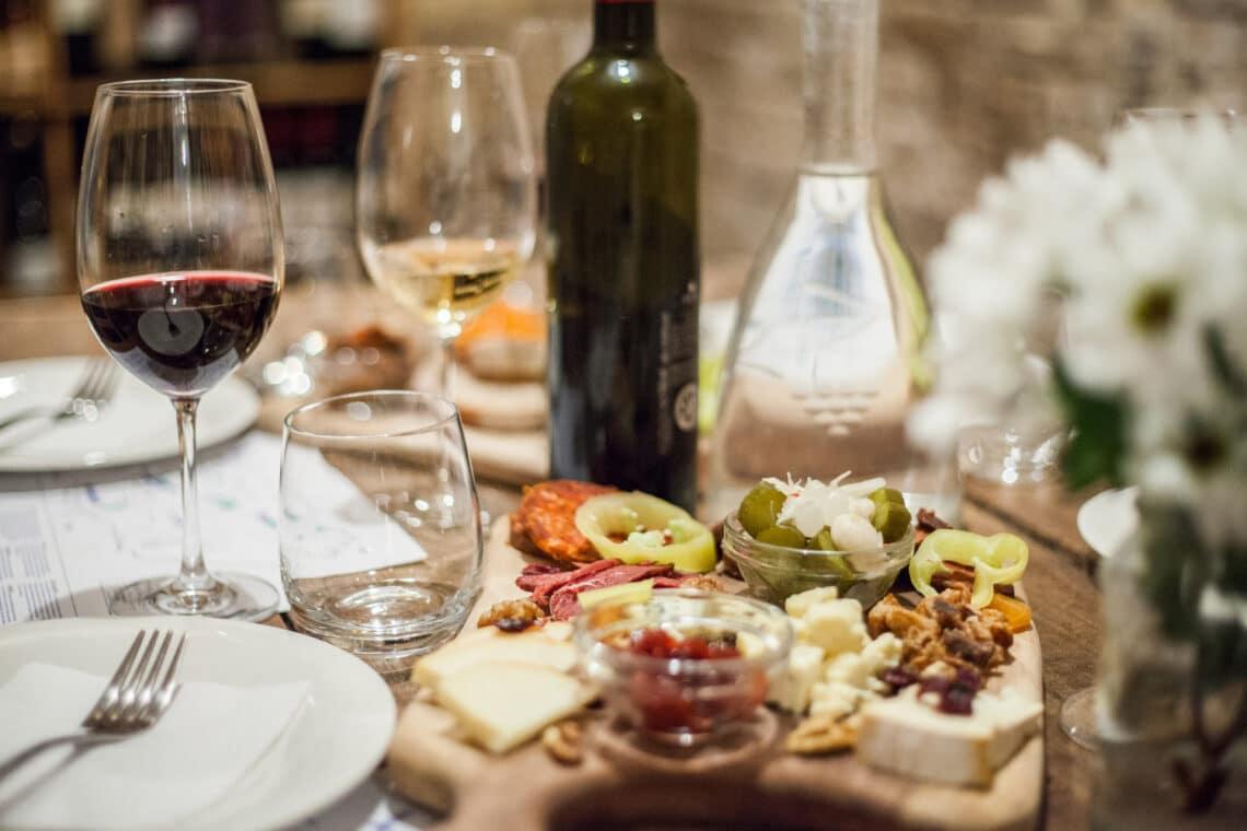 Ahol az ízek találkoznak: A legjobb hazai étterem borászatok