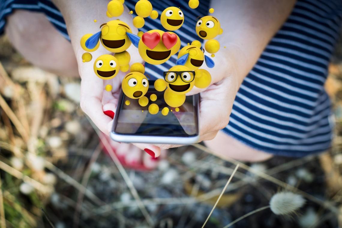 Aki több emojit használ, többet is szeretkezik, egy kutatás szerint