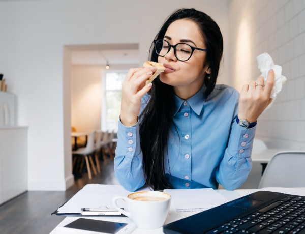 Amikor az evés érzelmi szükséglet, nem fizikai – Lelki tényezők az érzelmi evés hátterében