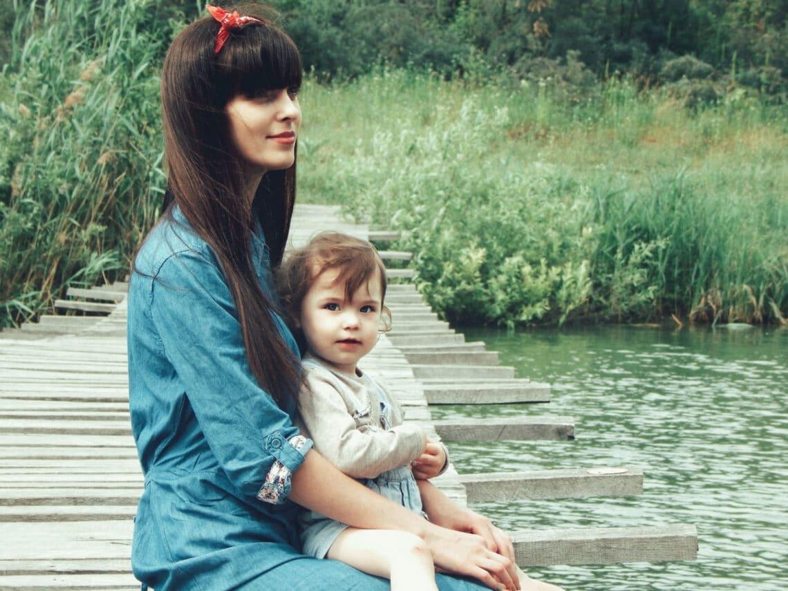 Anya és apa egy személyben, plusz a világjárvány – Van segítség az áldozatos munkában!