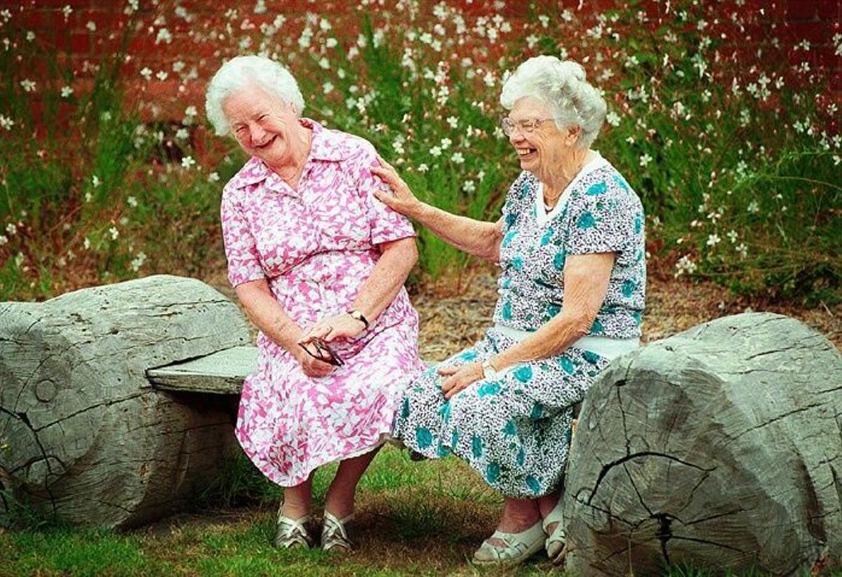 Az öregedés csodálatos dolog! Ezért boldogabbak a 70-en túliak