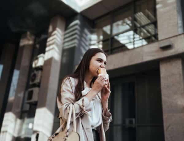 Az összefüggés az étkezési idő és a derékméreted között