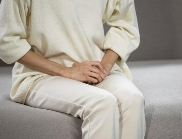 Az illóolajok enyhíthetik az endometriózis tüneteit – Hogyan használd?