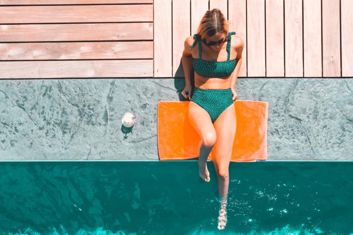 Bikini-körkép: A legjobb fürdőruhák, amik elfedik az úszógumit