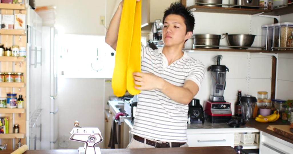 Csak egy srác főz a videókban, de életünk végéig el tudnánk nézni