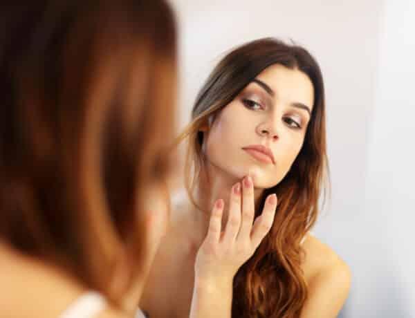 Dühítő szőrpihék az arcon? Szabadulj meg tőlük a dermaplaninggel