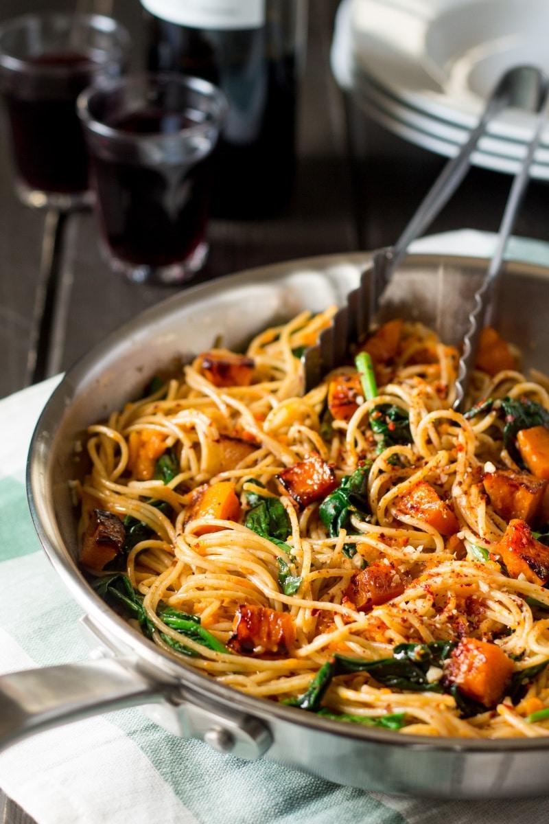 Dió a csirkére és a spagettire? 5 különleges recept dióval