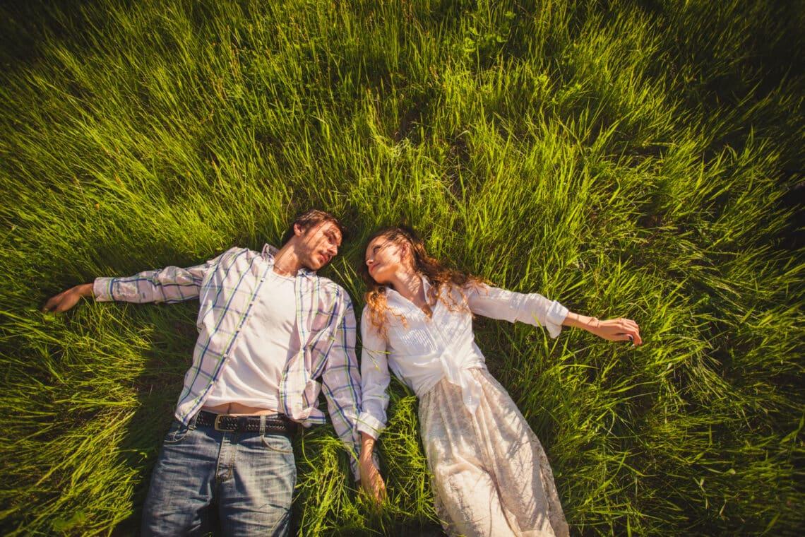 Egy jó párkapcsolat felépülésének 5 szakasza – Ekként fejlődik a szerelem
