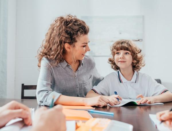 Egy kutatás szerint rengeteg anya szorong, hogy iskolába kell küldenie a gyereket