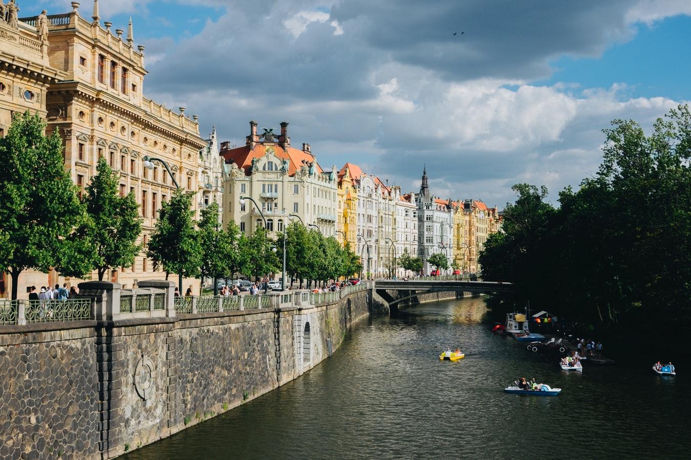 Egy nagy kedvenc, ha őszi utazást tervezel: ezért látogass el Prágába