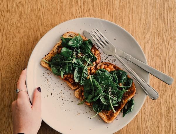 Elérhető super foodok: ezért fogyaszd minden nap a zöld leveleseket