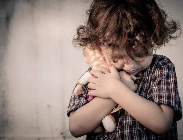 Elhanyagolt gyermek, magányos felnőtt: az anyahiány betegség