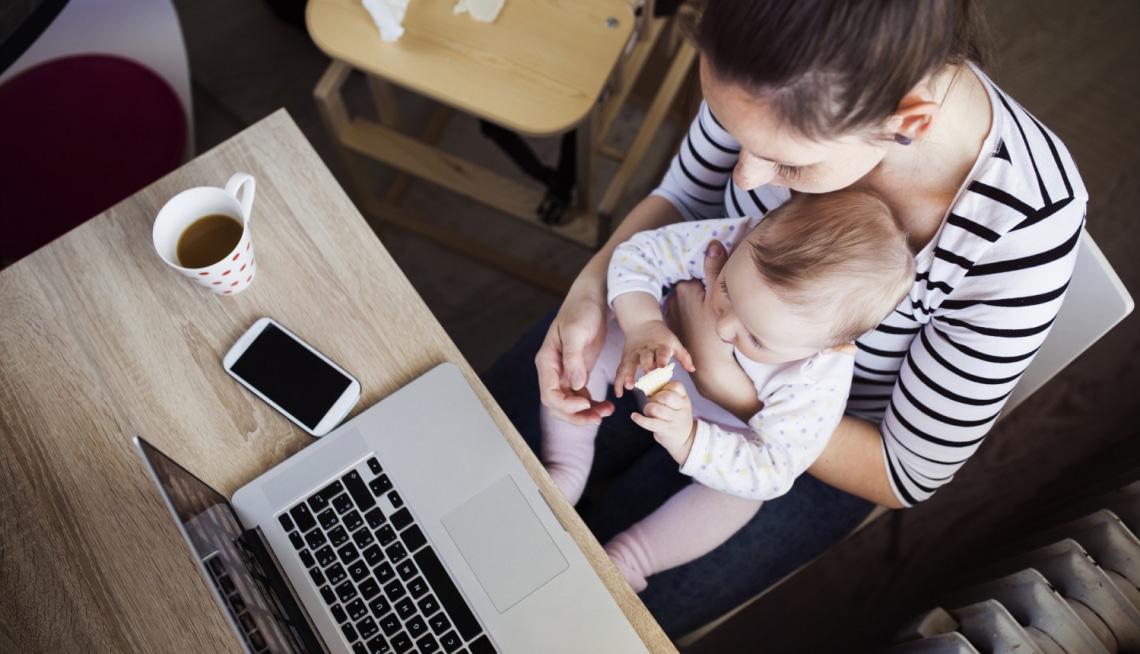 Otthon a gyermekkel keményebb meló, mint bejárni dolgozni