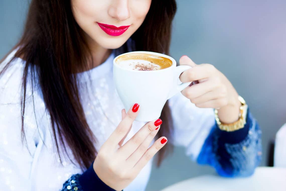 Ezek az árulkodó tünetei annak, hogy túl sok koffeint fogyasztottál – nem csak a kávé a ludas!