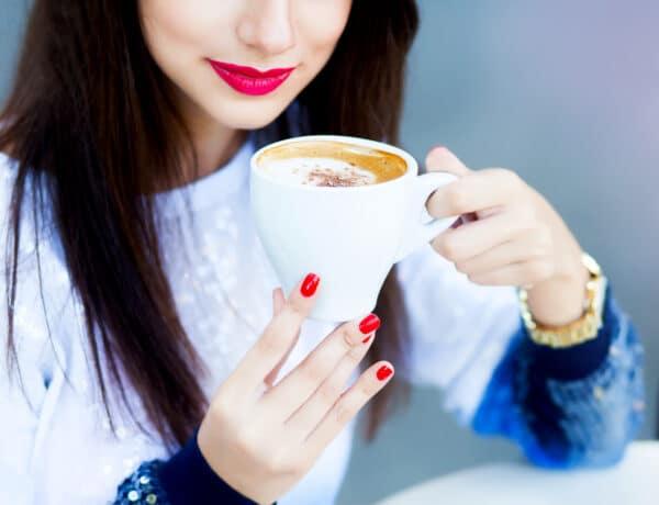 Az árulkodó tünetei annak, hogy túl sok koffeint fogyasztottál