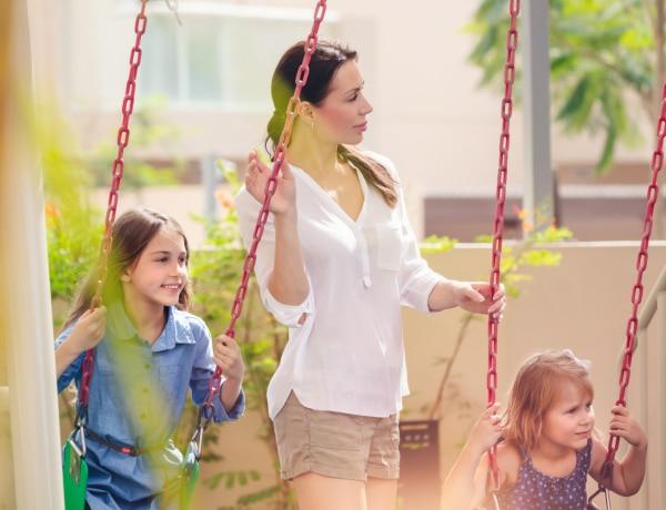 Ezeket a magatartásformákat kerüld, ha szimpatikus szeretnél lenni a többi szülő szemében