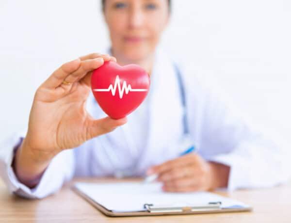 Ezt kell tenned szívinfarktus esetén: életet menthet a szakértő tanácsa