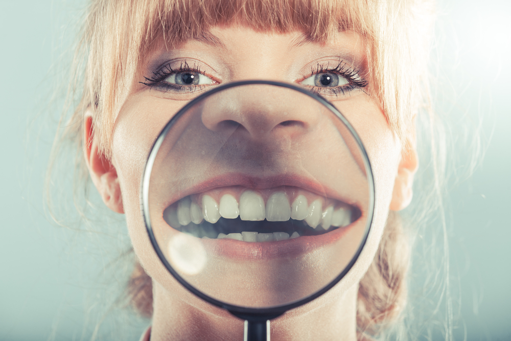 Fehérebb fogakat szeretnél? Mutatjuk a legjobb fogfehérítő módszereket