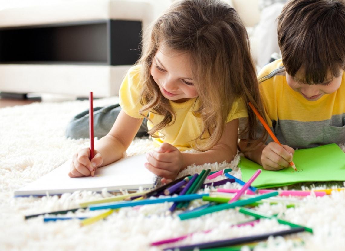 Fiúk és lányok egy szobában – Így osztozhatnak a gyerkőcök a közös helyiségen