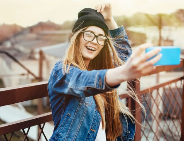 Gátak és (fémes) csillogás – Hasznos tapasztalatok a fogszabályzóhoz