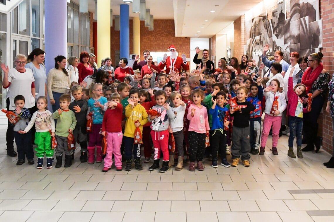 Hallgatói és oktatói összefogás keretében támogatta a helyi óvodákat az Óbudai Egyetem Keleti Károly Gazdasági Kara